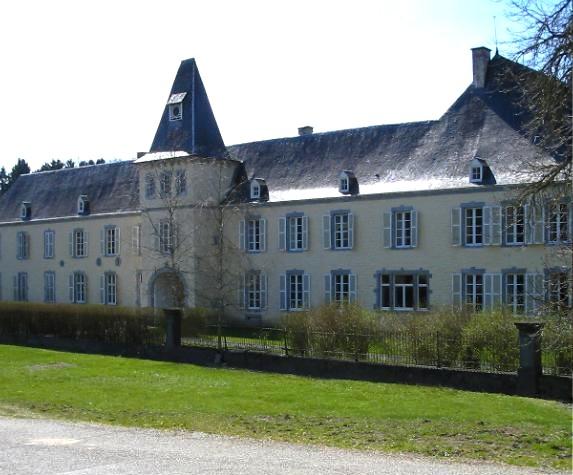 chateau-edmond-dhoffschmidt-resteigne.jpg